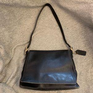 ✨Vintage✨ Coach Medium Shoulder Bag
